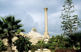 Alexandria - Pompeys pillar and sphinx