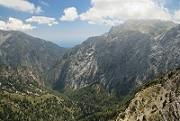 Pohled dolů do kaňonu Samaria