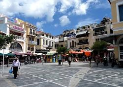 Pěší zóna ve městě Samos